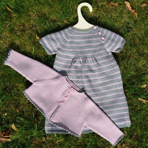 schoenstricken.de geringeltes Kinderkleid und Bolero